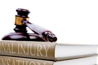 What Should I Consider When Choosing A Personal Injury Lawyer?